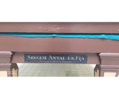 Eladó Singer Antal és fia eredeti karambol illatod asztal