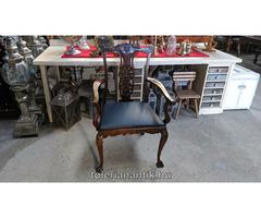 Neobarokk karfás szék eredeti bőrkárpittal