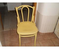 Antik tonett székek eladók.