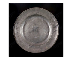 Nagyméretű ón tányér