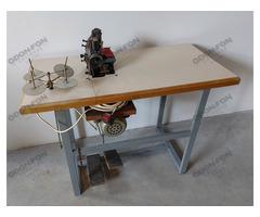 Varrógép asztallal