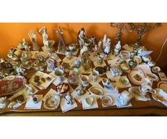 Eladó porcelánok és antik dísztárgyak