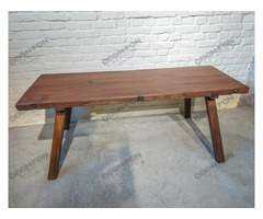 Húsvágó asztal