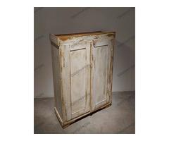 Fehér 2 ajtós kis szekrény