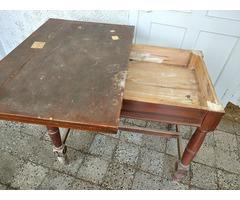 Kinyitható antik konyhaasztal eladó