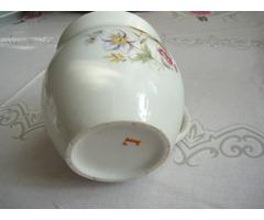 Porcelán hasasbögre