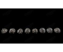 8 db ezüst Attila vagy Mente pitykegomb