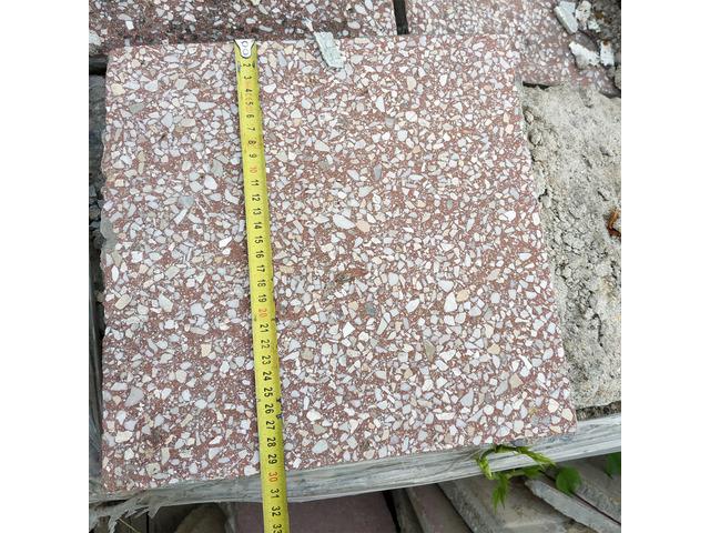 Piros Mortadella kőörleményes lap 30 x 30 cm