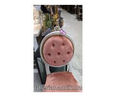 Fehérre antikolt neobarokk szék arany díszítésekkel