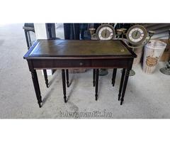 Különleges asztalaszett oldalt kihúzható 2 asztallal