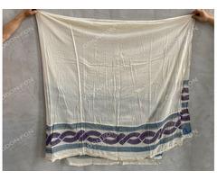 Tört fehér vászon függöny kék-lila mintás szegéllyel, ókori festett mintával